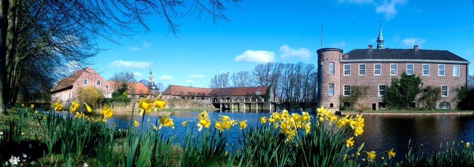 Schlosspark-Luetetsburg-osterspaziergang_weg